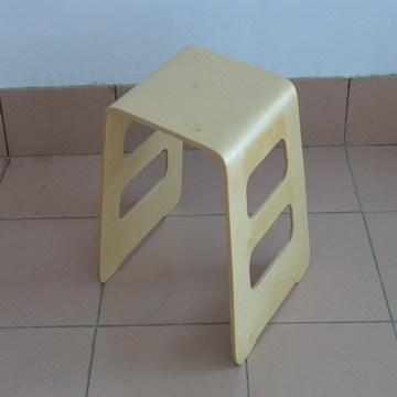 弯曲木凳子批发市场_弯曲木凳子批发采购-青岛绿家