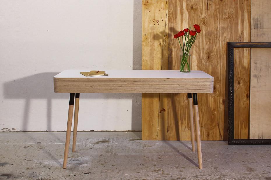 木质  桌子放脚横杆