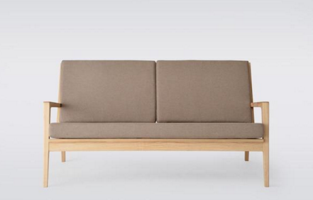 结构; 坐垫下方使用高强度复合皮带绷制, 结实耐用; 配套沙发垫布料为