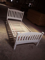 实木床单双人床/ single/double bed