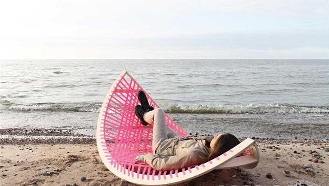 海边香蕉椅简洁轻便    还有不同用处