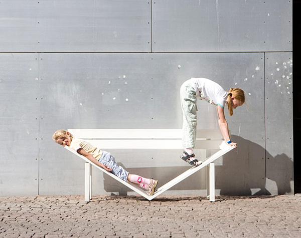 街头长椅:换个角度看世界