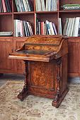 英式维多利亚时期嵌胡桃瘿木达文波特式书桌