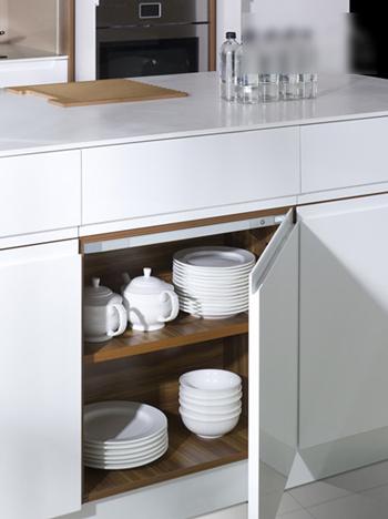 厨房 白色 餐具