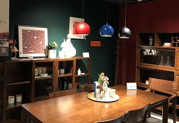 探访一家特别的曲美太阳城国际娱乐店:京东选品占了3000平,还有各种黑科技