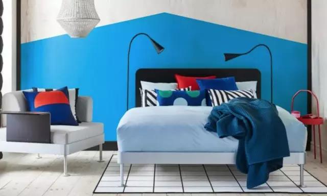 宜家出了一款很简约的床,同时也不失高级和美妙:by Tom Dixon