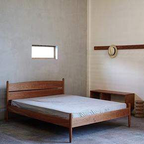 樱桃木圆腿床+壁挂板+树里衣柜